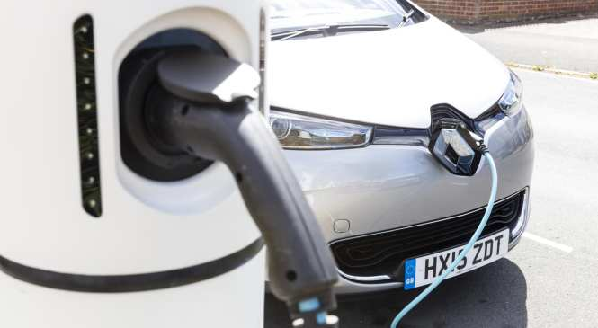 IMI urges roadside and emergency services to be ready for Hybrid and Electric vehicles