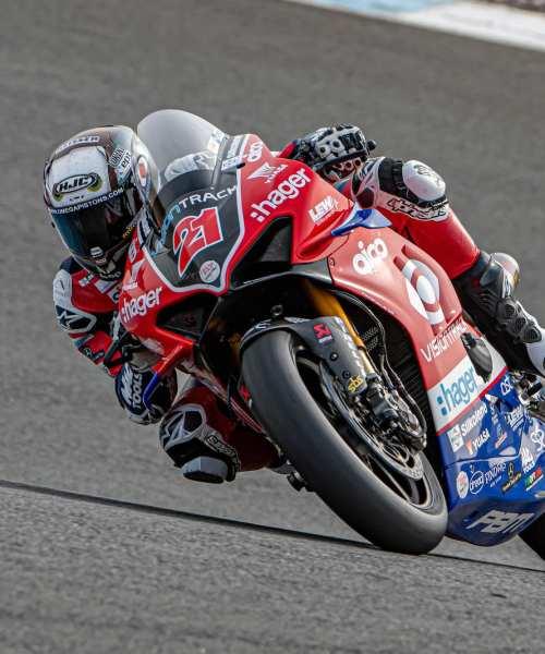 Yuasa continues British Superbike team partnership