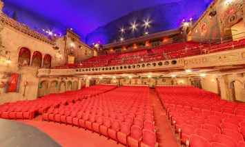 Historic-Tampa-Theater-seating-and-balcony-e1421804135404