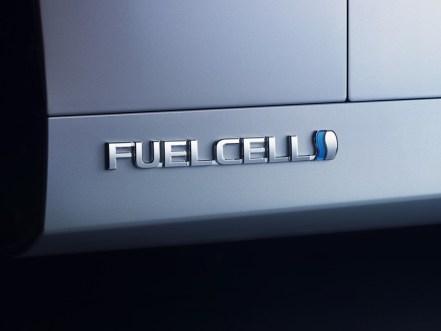 TOYOTA MIRAI FuelCell FCEV- Hidrogénkútra várva