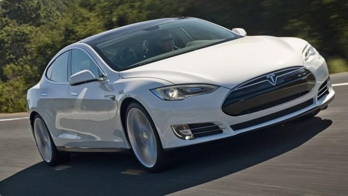 Tesla получит автопилот к 2018 году