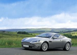 Aston-Martin-Vanquish-lubimyi-avtomobil-bonda