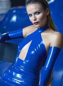 Natasha-Poly-MercedesBenz-Jeff-Bark-01-620x841