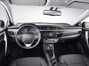 Toyota-Corolla-2015-04