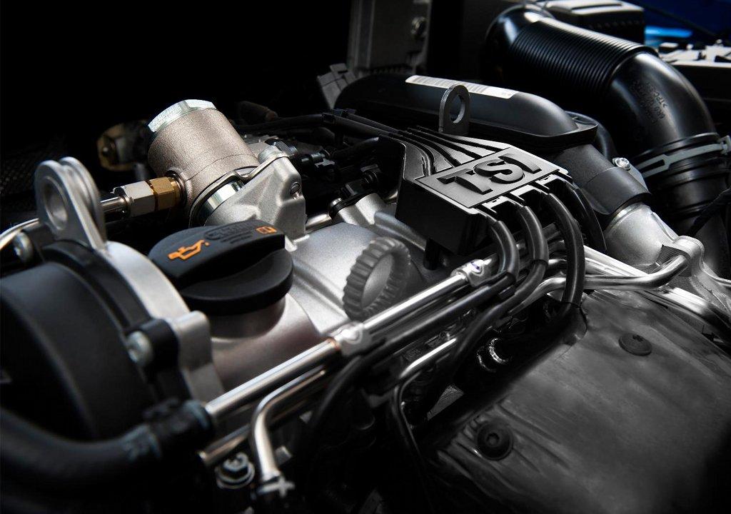 Двигатель автомобиля мощный и экономный