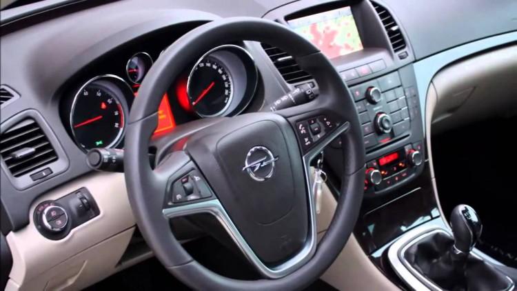 Салон Opel Insignia 2015-2016 модельного года