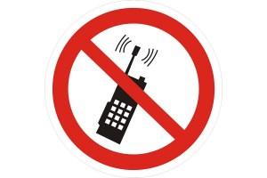 mobilnyj-telefon-na-jekzamene-600x400