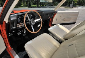 salon-pontiac-gto-judge