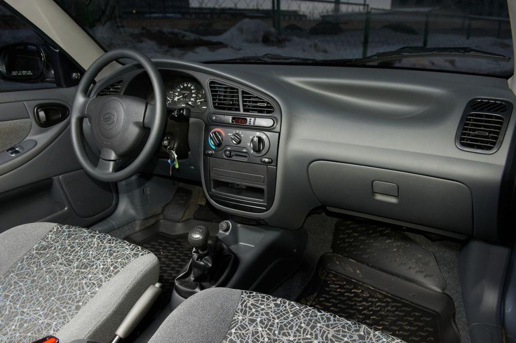 Салон Zaz Chance имеет современный вид, как для бюджетного авто