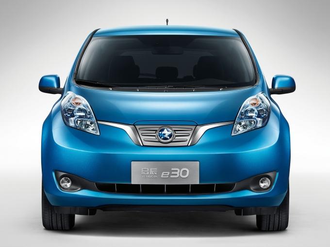 Из-за плохих результатов Nissan Leaf японцы сделают новый электромобиль!