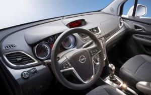 Opel-Antara-2015-Interior-1280x800-750x469