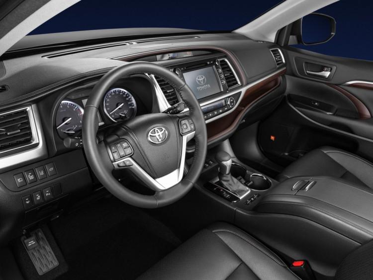 Интерьер автомобиля Toyota Highlander
