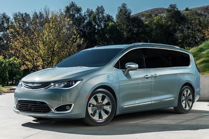 Chrysler пытается выжить «по-тихому» и снова демпингует