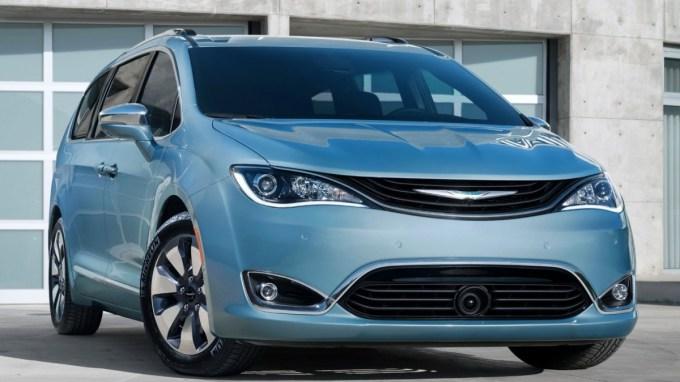 Chrysler будет выживать за счет низкой цены на модель Pacifica