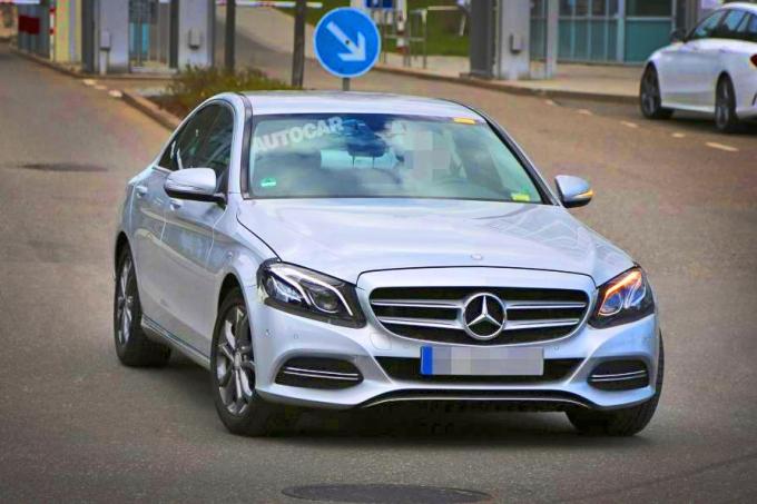 Mercedes-Benz C-Class:при рестайлинге дойдёт до лампочек