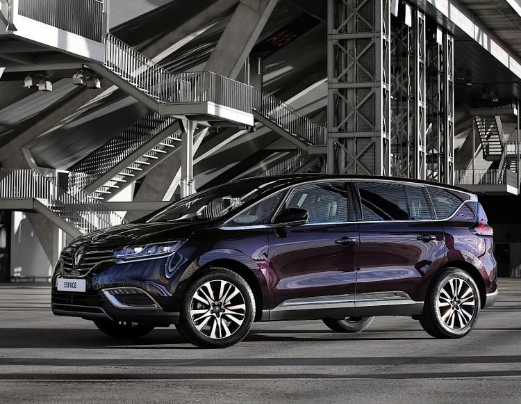 Особенности Renault Espace 2016 модельного года