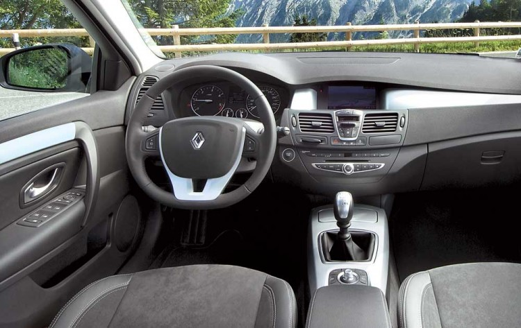 Салон Renault Laguna