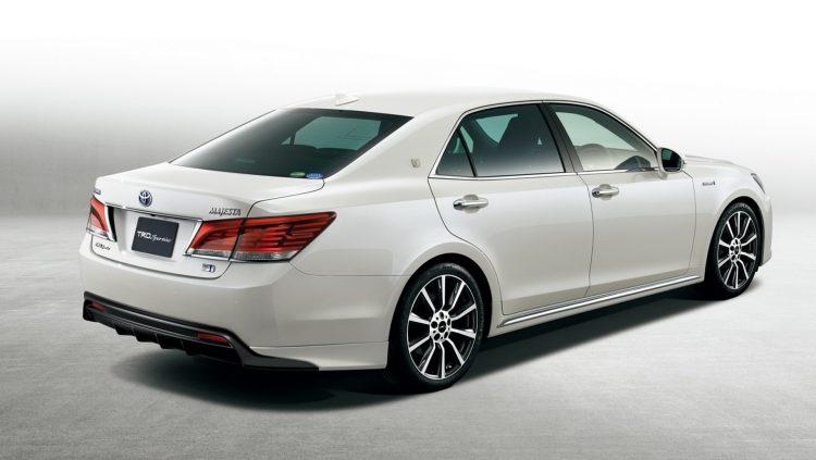 Автомобиль, предназначенный для внутреннего рынка Японии
