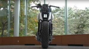 hona-balancing-motorcycle-03