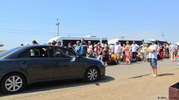 КПП Каланчак на административной границе материковой Украины с полуостровом Крым
