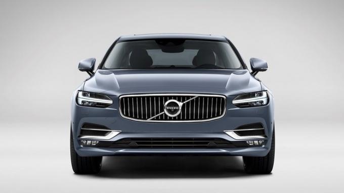 Китайская Volvo пошла по миру