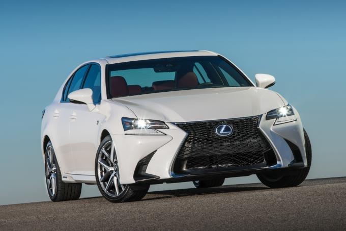 Lexus GS: жертвозамещение