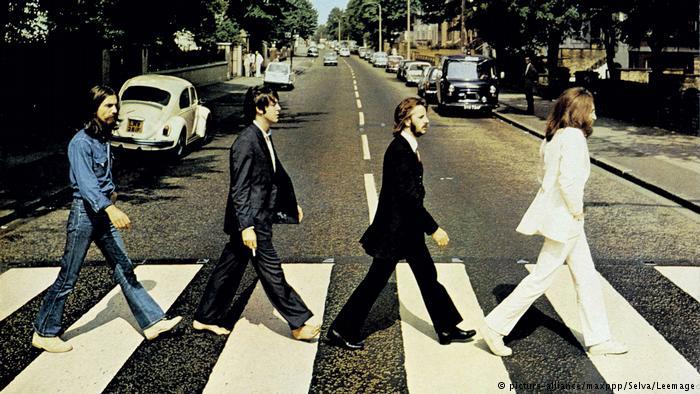 Фотография обложки альбома группы Битлз Abbey Road