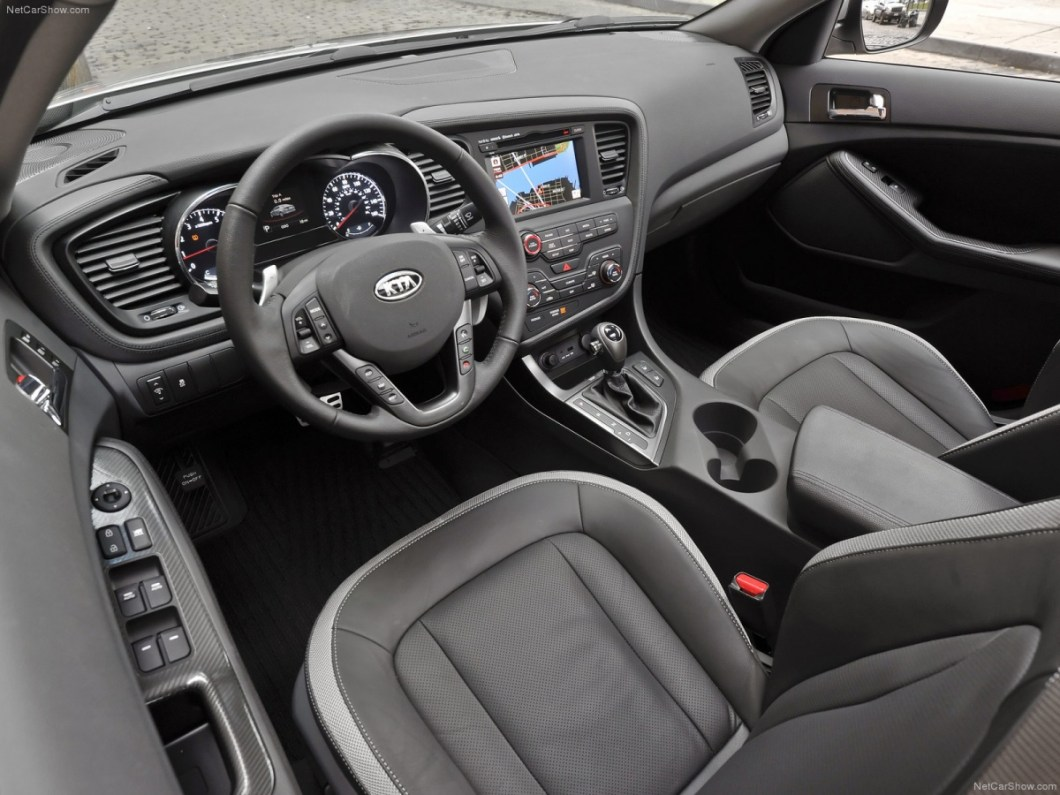 Kia-Optima-2011-1600-0b.jpg