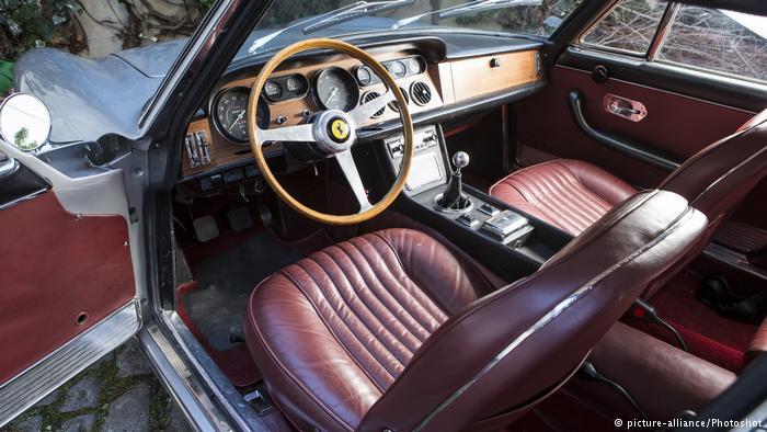 Эту модель - Ferrari 330 GT 2+2 - Энцо Феррари выбрал в середине 1960-х годов в качестве своего личного автомобиля.