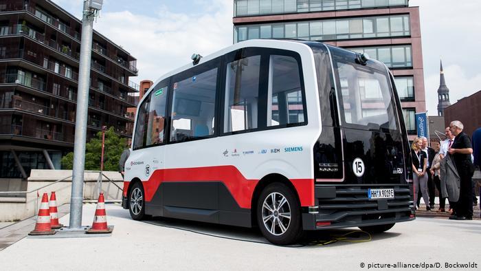 Электрический автономный микроавтобус в Гамбурге