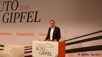 Глава Porsche Оливер Блюме