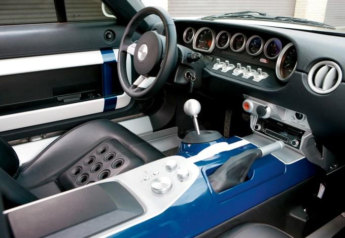 Porsche Carrera GT VS Ford GT