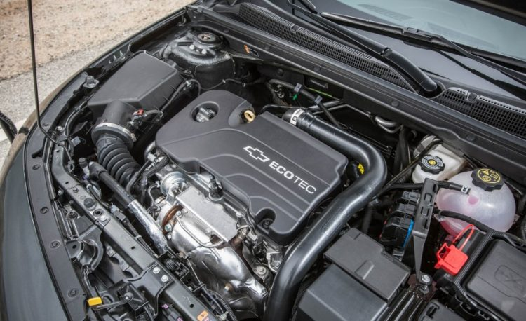 На фото полуторалитровый двигатель Экотек турбонаддувом