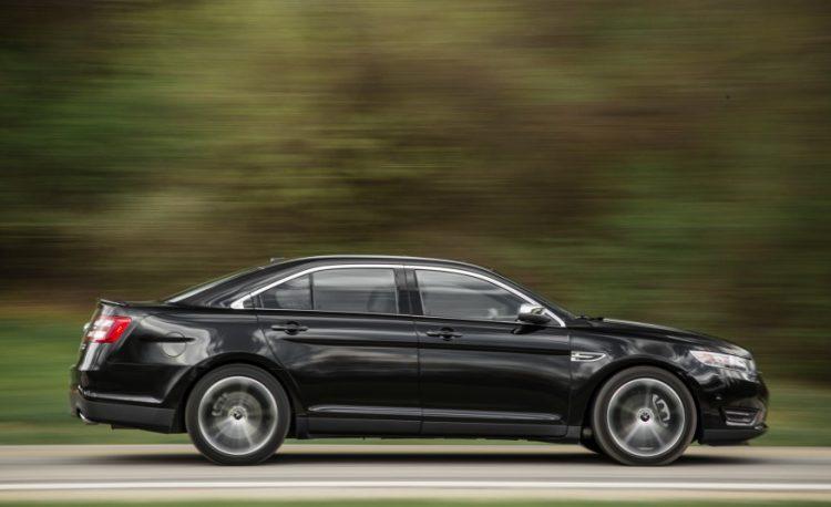 Цена Форд Таурус 2016-2017