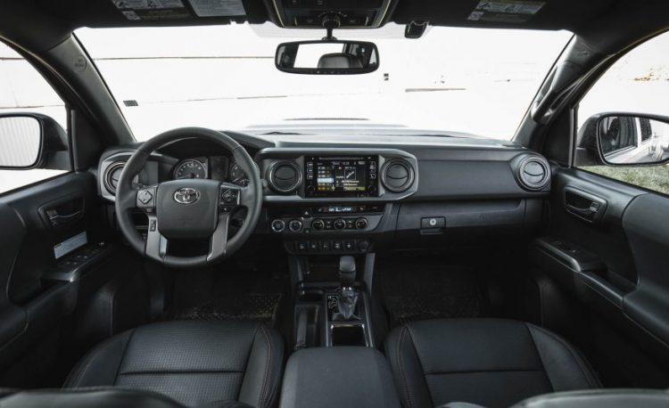Фото салона Toyota Tacoma TRD Pro