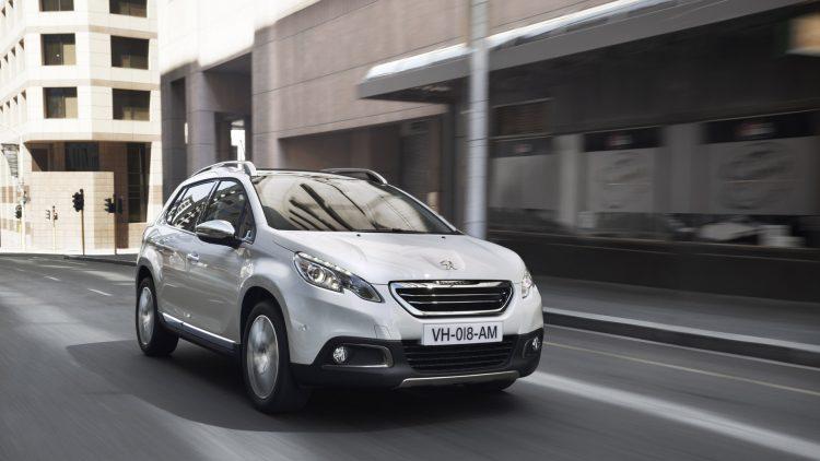 На фото Peugeot 2008