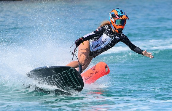 PRUCHA CLAIMSVICTORY AS ABU DHABI LAUNCHES MOTOSURF WORLD CUP SEASON IN STYLE