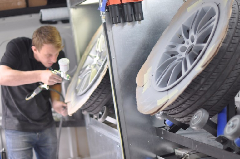 Mobile Wheel Repair : Autospray smart repairs specialist no mobile