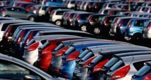 продажи новых машин в минувшем месяце снизились на 2%.