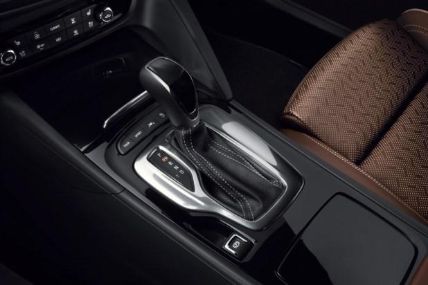 Селектор 8-ступенчатого автомата - последнее достижение компании Opel.
