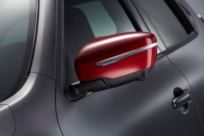 У Nissan Juke Nismo RS эффектные боковые зеркала.