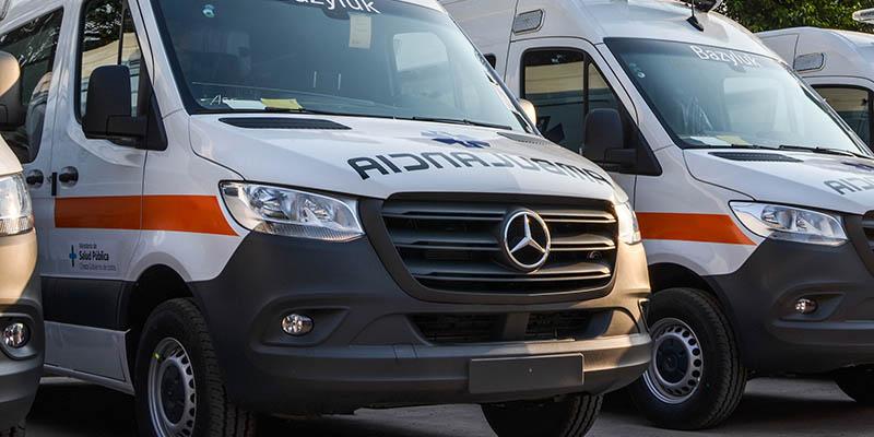 Entrega de unidades Sprinter ambulancia a Chaco