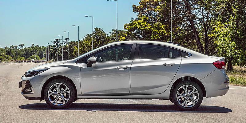 El Chevrolet Cruze se actualiza.