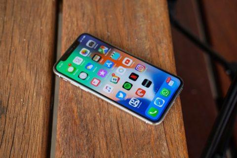 Как перемещать приложения и значок на Apple iPhone XS, iPhone XS Max и iPhone XR