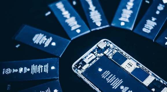 Можно ли заменить батареи iPhone?