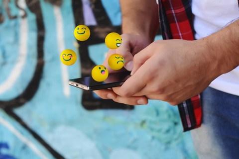Что означает Emoji рядом с именем в Snapchat