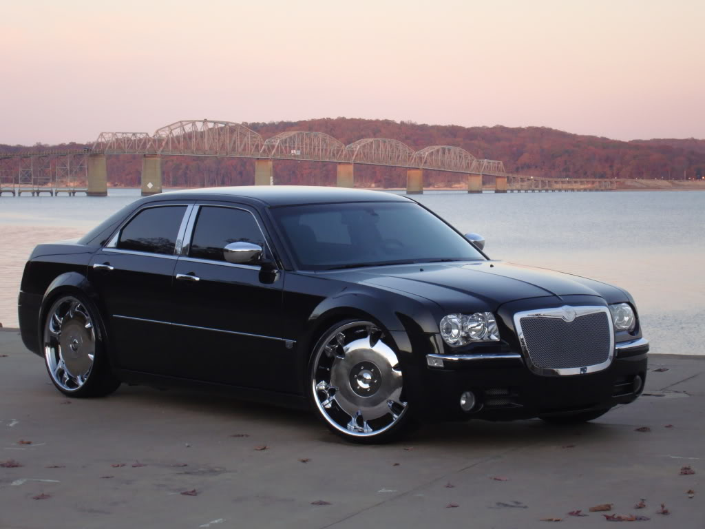 Chrysler 300 Custom Wheels