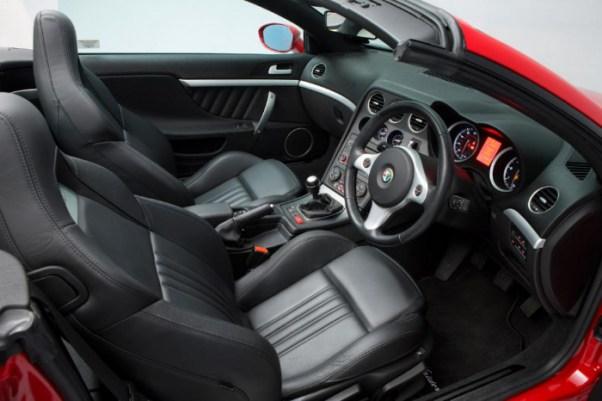 Alfa Romeo Spiders Interior