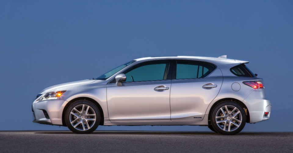 12.12.16 - Lexus CT 200h