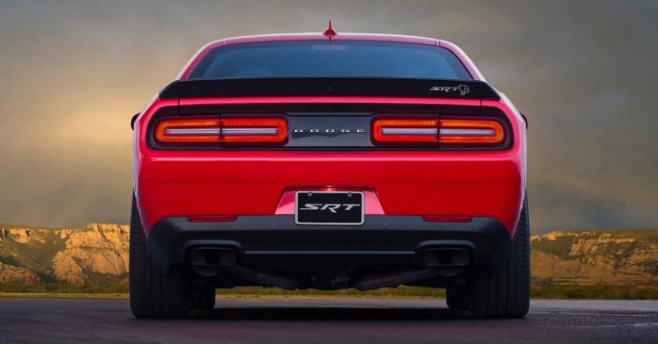 01.31.17 - Dodge Challenger SRT Hellcat